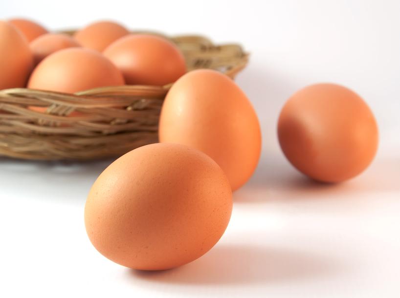 Почему нельзя мыть яйца перед хранением?