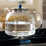 Можно ли повторно кипятить воду в чайнике?