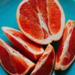 Почему грейпфрут горький?