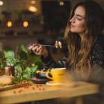 Почему важно тщательно пережевывать пищу?