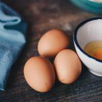 Что скрепляет, белок или желток яйца?