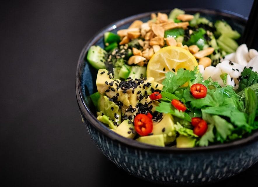 Что делать, если пересолил салат?